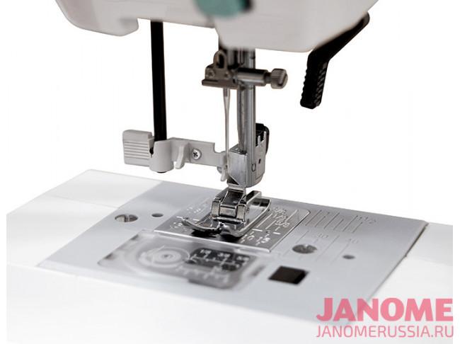 Компьютерная швейная машина Janome HD6130